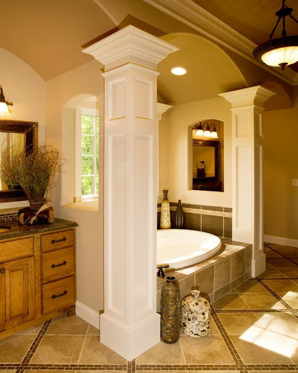 Treppenstufen Holz FUr Ausen ~ Romantische Atmosphäre im Badezimmer durch wunderschöne Säulen