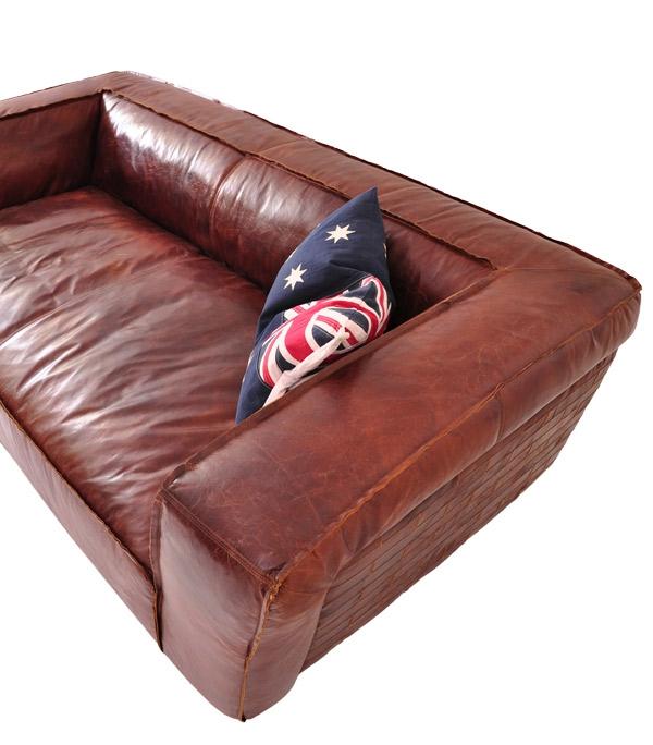 Süßes Kissen für ein modernes leder Sofa im Braunen