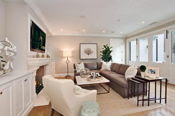 Genial Extravaganter Nest Tisch Im Schicken Wohnzimmer In Kontarst Farben