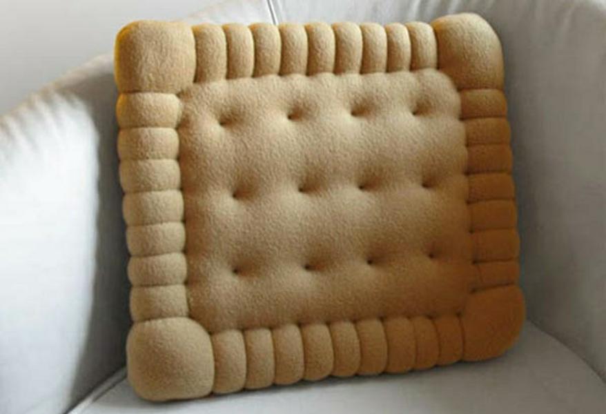 Originelles Dekokissen Design in Form von Petit Beurre Butterkeksen