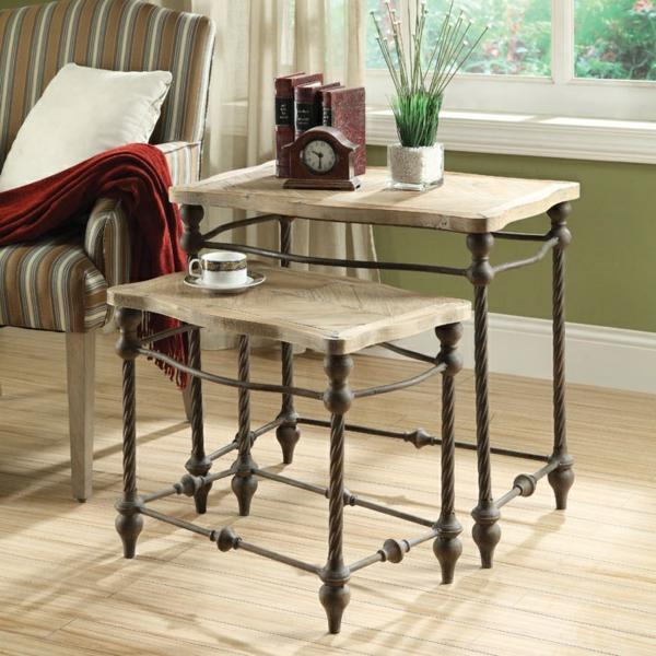 Ästhetisches Aussehen vom Nest Tisch aus Holz