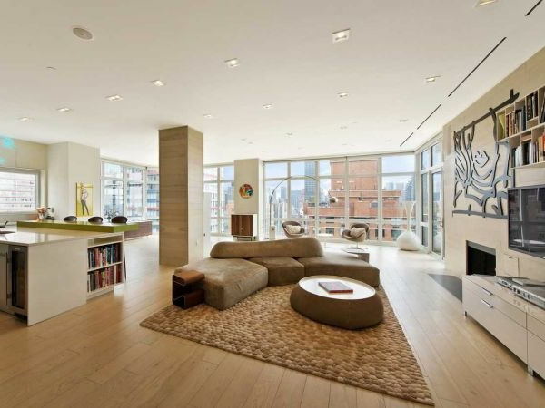 Weiches Teppich und moderne Möbel für Wohnzimmer