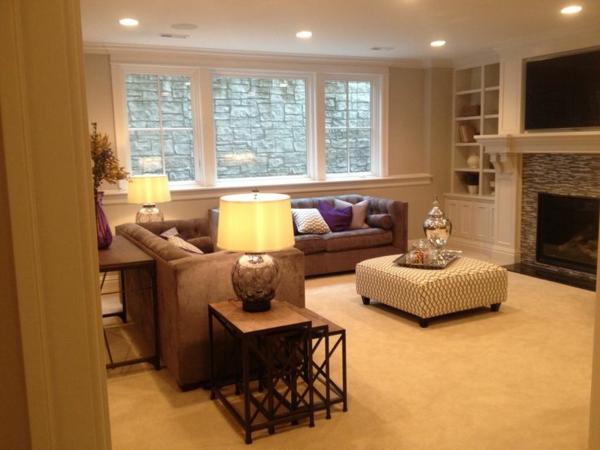Wohnzimmer mit schlichter Beleuchtung und einem kreativen Nest Tisch Modell