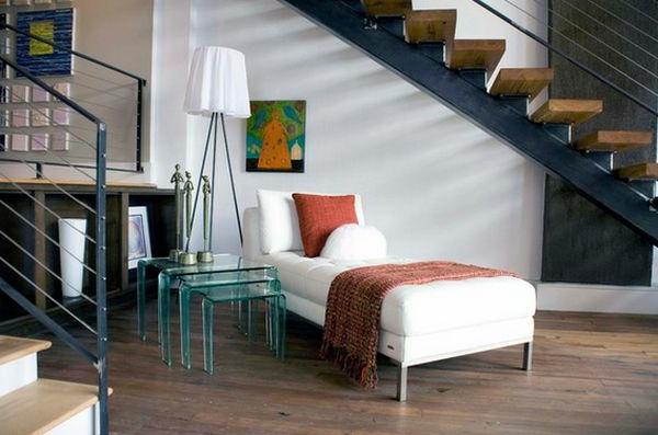 Nest Tisch aus Glass und hölzerne Treppen für ein originelles Wohnzimmer Design