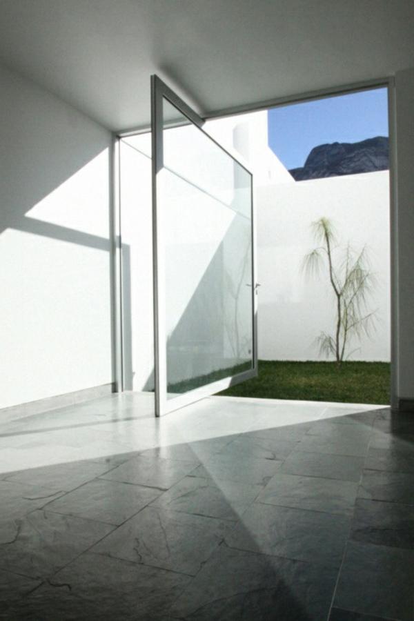 Weiße Farbe für Haus Design- moderne Drehtüren