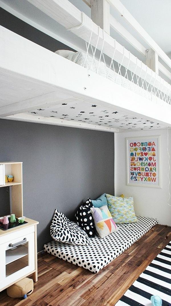 Interessante Innenarchitektur und kreatives Bett Design im weißen Kinderzimmer