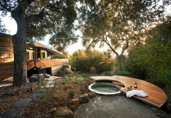 Whirlpool Badewanne Im Garten : luxus garten badewanne hölzerne anlage für getränke