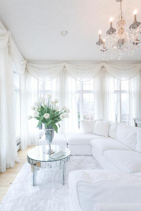Weiße Elemente im Wohnzimmer für ein elegantes Aussehen