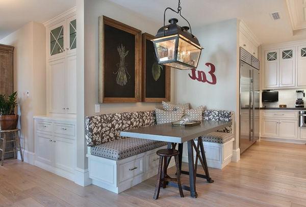 Esszimmer schön ausstatten-zwei Kreidetaflen mit hölzernen Rahmen
