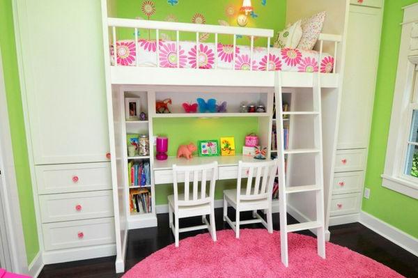 Schreibtisch unter dem Hochbett für ein originelles Kinderzimmer Design