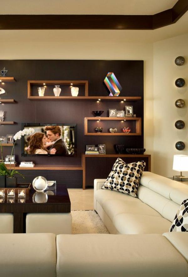 Braune Farben In Einem Wohnzimmer Mit Extravagantem Regalsystem