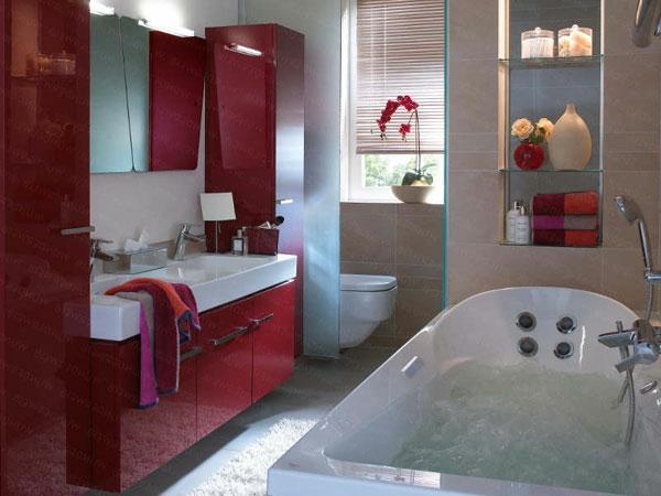 badezimmer mit roten bademöbeln ausstatten