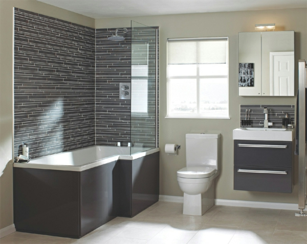 badezimmer mit braunen akzenten - badewanne und spiegelschrank
