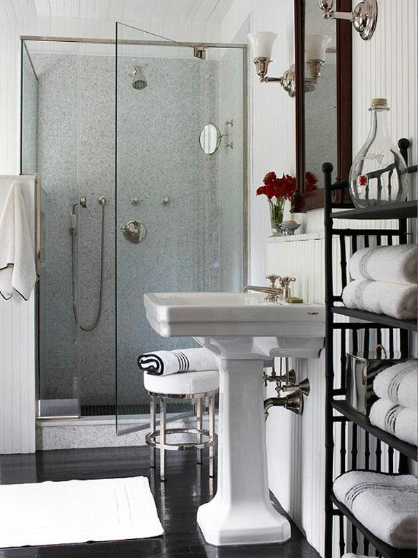 vase mit blumen in badezimmer - eine gute badidee