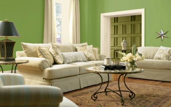farbe wohnzimmer ideen:wohnzimmer streichen idee – grüne farbe und weiße möbelstücke