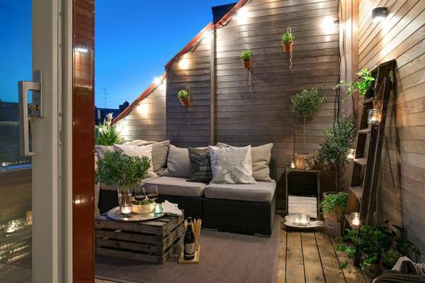 luxus balkone mit schlichten beleuchtungen und dekopflanzen