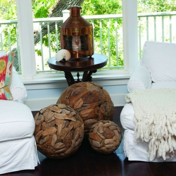 terrasse dekoration mit wunderschönen Treibholz Elementen