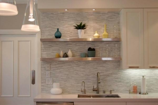 einfaches design vom küchenspiegel