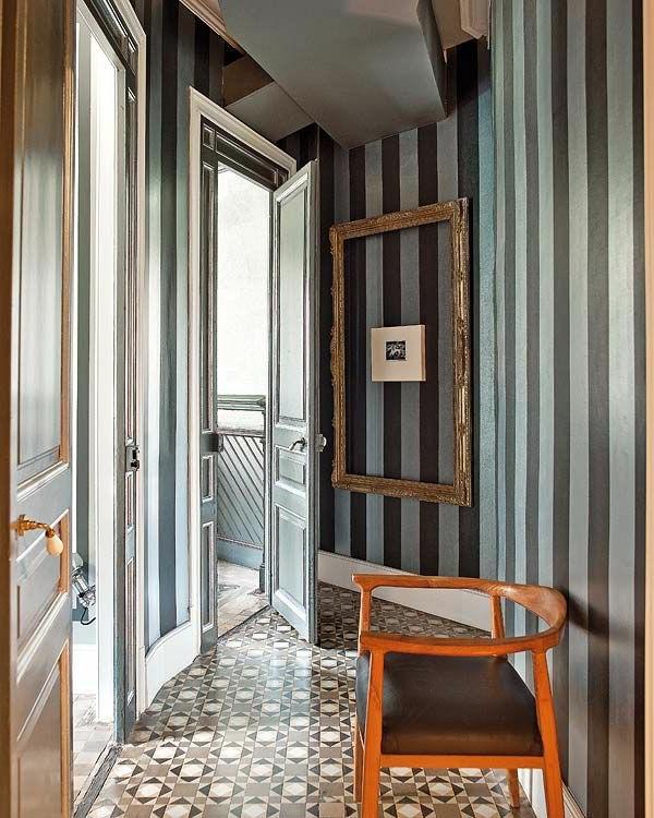 Hausflur originell ausstatten-Wand mit Streichen