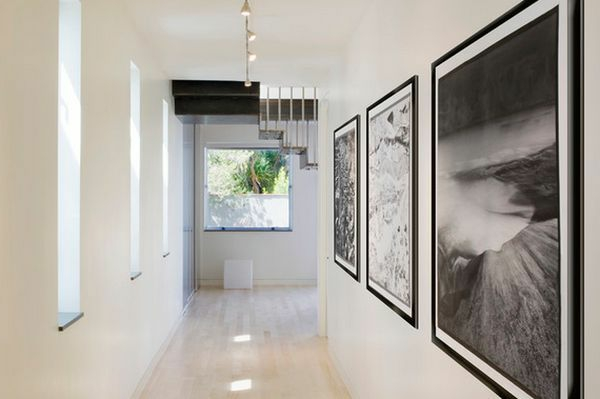Drei Bilder mit enormer Größe-im Hausflur