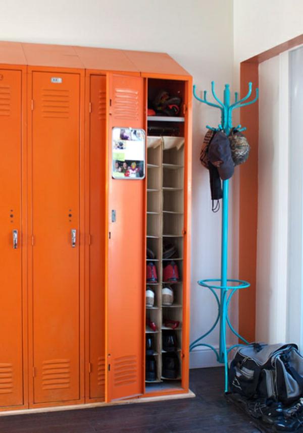 schuhe im schrank aufbewahren - orange farben