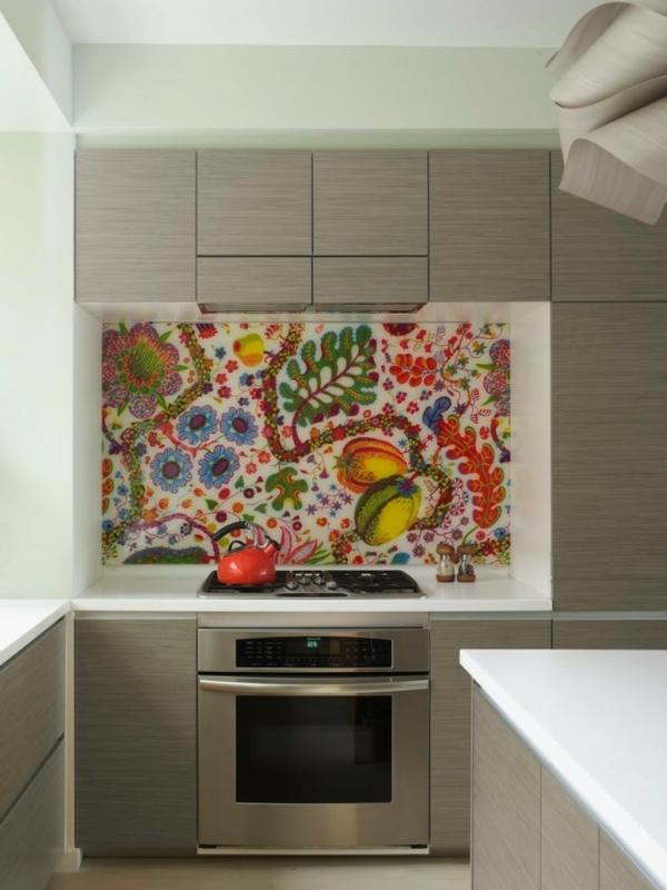 küchenspiegel mit bunten farbtonen