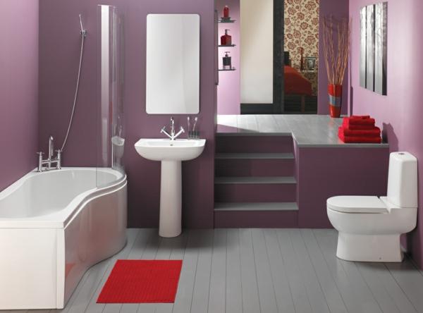 baddesign mit roten akzenten und lila wandgestaltung