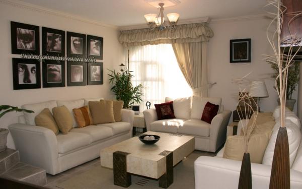 wohnzimmer ideen für ihr zuhause - weiße sofas und derorative gemälde an der wand