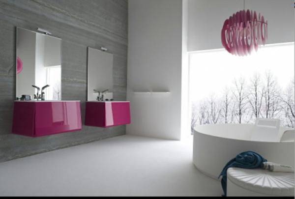 schöne badideen - violette akzente im badezimmer, zwei spiegel und zwei waschbecken