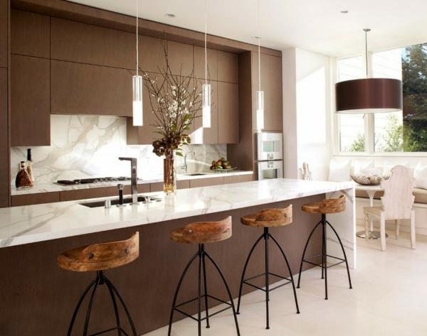 marmor kochinsel und küchenspiegel - weiße farbe