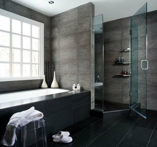 badgestaltung ideen - badewanne und graue wände