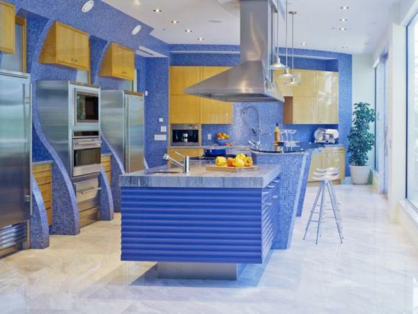 blaue und hell braune farbe für die küche