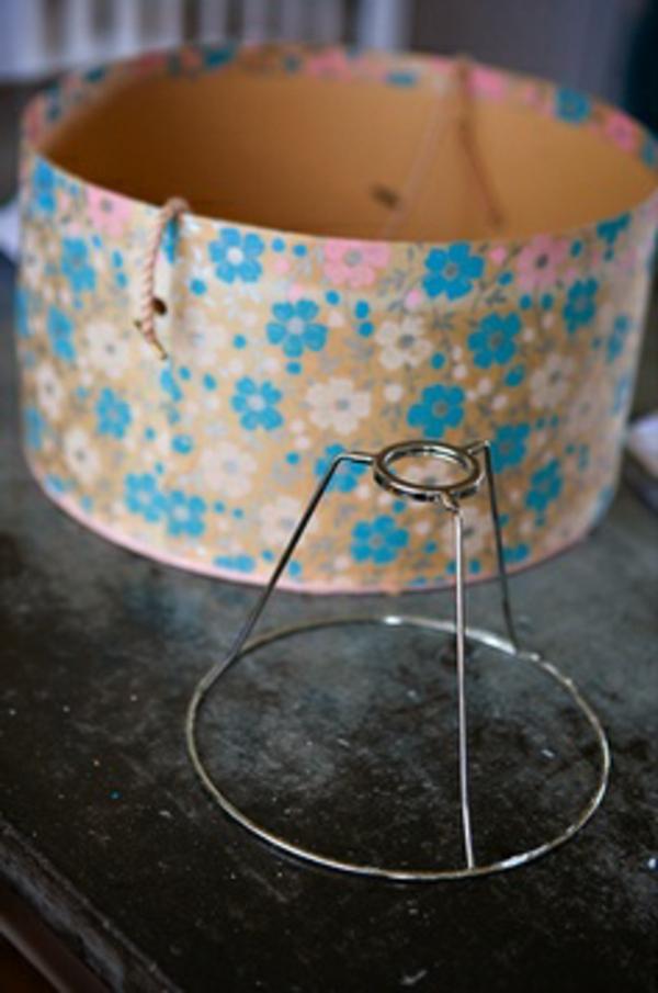 dekorative blümchen für eine schöne selber gemachte lampe