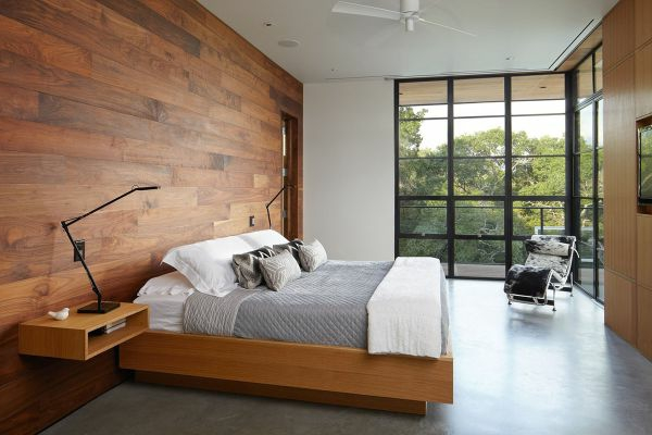 luxus schlafzimmer mit einer holzwand gestalten