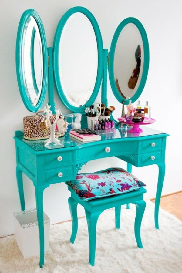 schminktisch modell mit drei spiegeln runder form und türkis farbe