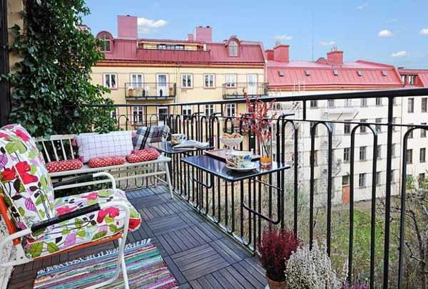 Terrassenbau Mit Bunten Möbeln Und Deko Elementen Die Besten Ideen Für  Terrassengestaltung .