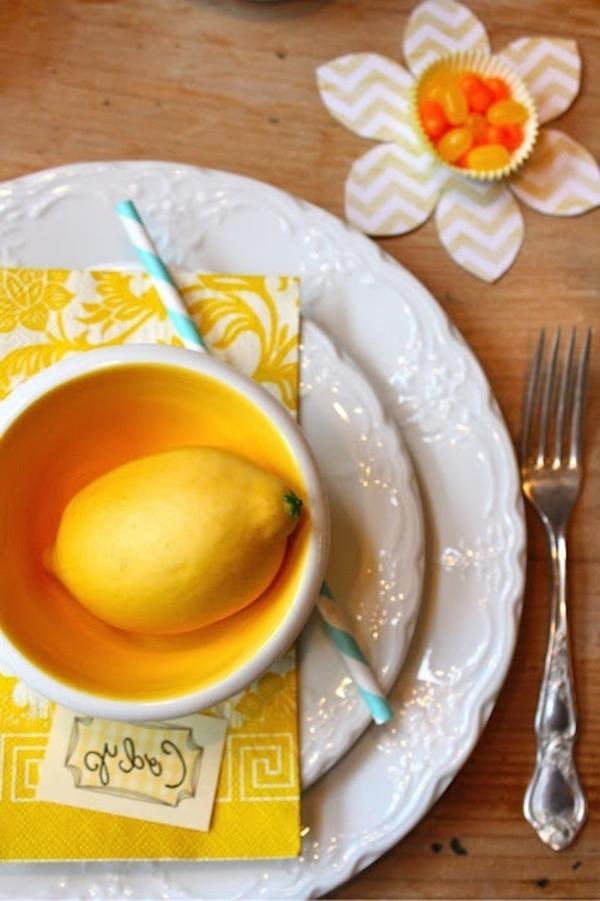 tischdeko modern - zitrone und gelbe serviette