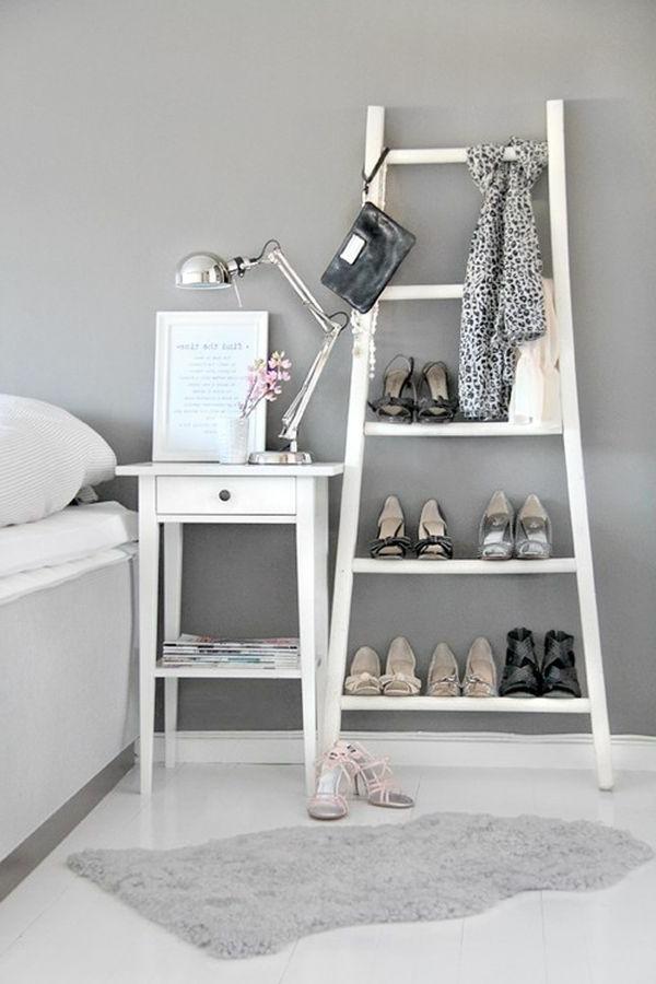 schuhe aufbewahren tweiße treppe im schlafzimmer
