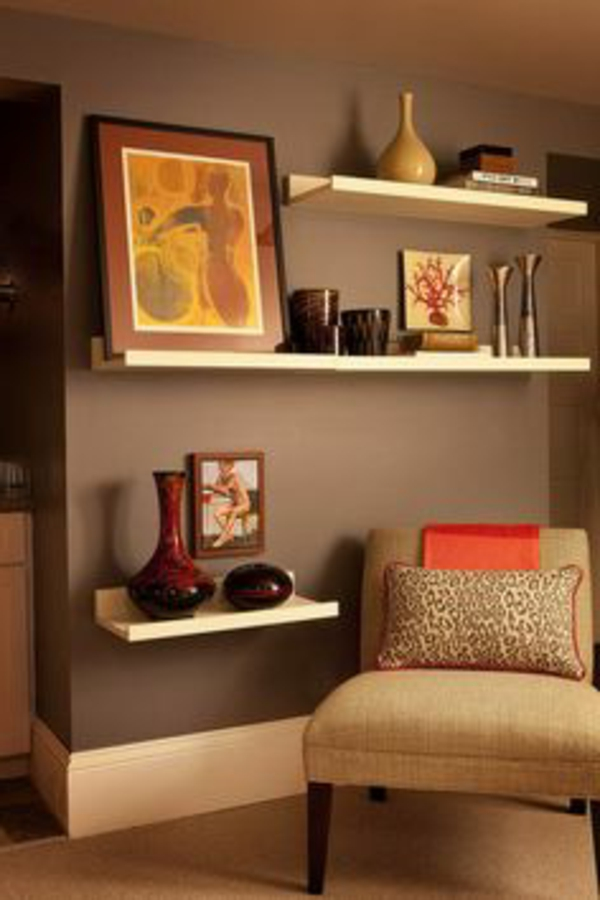 Wandegstaltung Ideen Fürs Wohnzimmer Regale Gemälde An Der Wand