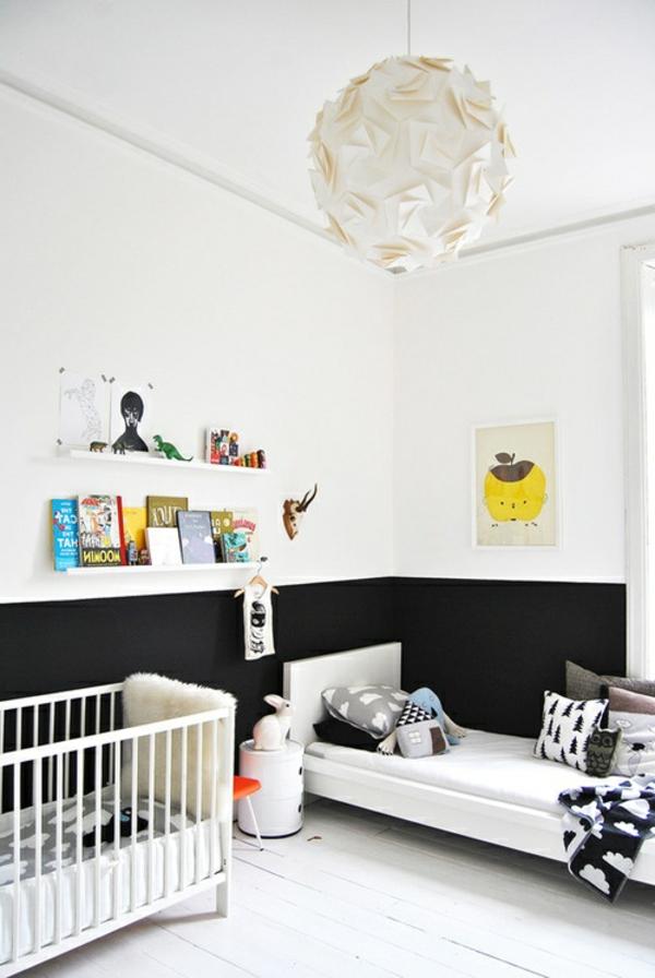 kinderzimmer mit weißer wandgestaltung - originelle deko-elemente