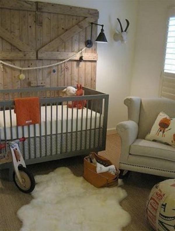hölzernes brett - als originelle wanddekoration für ein kleines babyzimmer