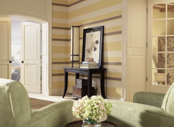 wohnzimmer idee farbe:wohnzimmer – wandgetsaltung linien weiße braune gelbe farbe grüne
