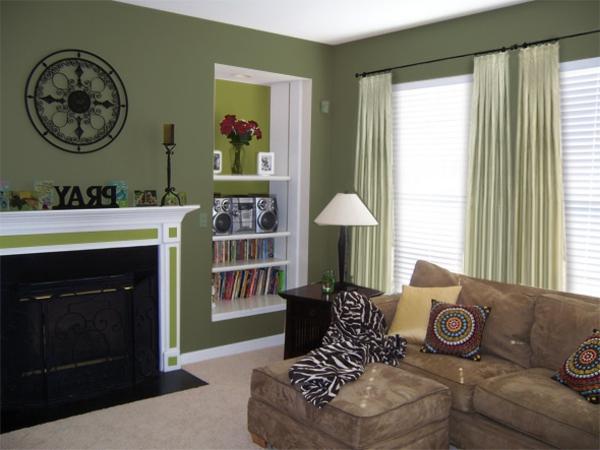Kleines Wohnzimmer Mit Gardinen Lampe Sofa Kamin Bcherregalen