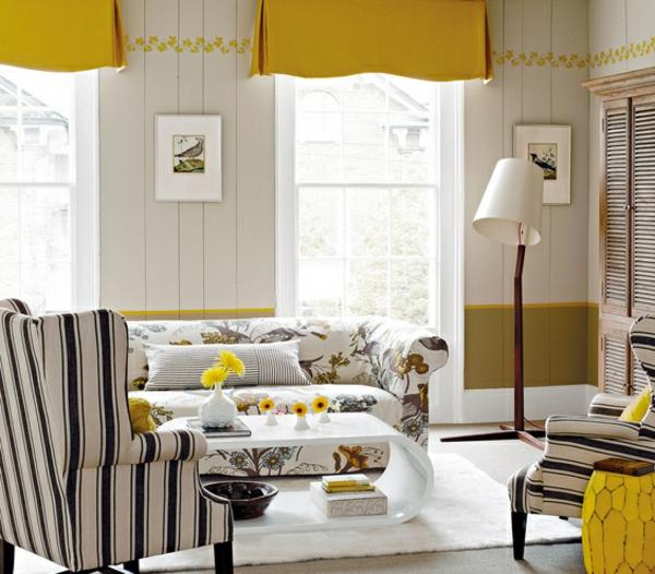 gelbe gardinen für ein kreativ eingerichtetes wohnzimmer