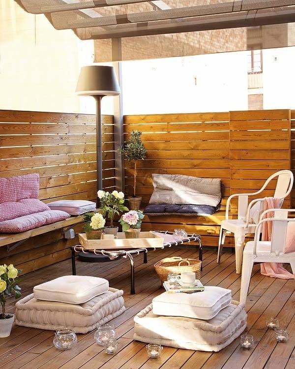 terrasse modern gestalten - deko-elemente am boden