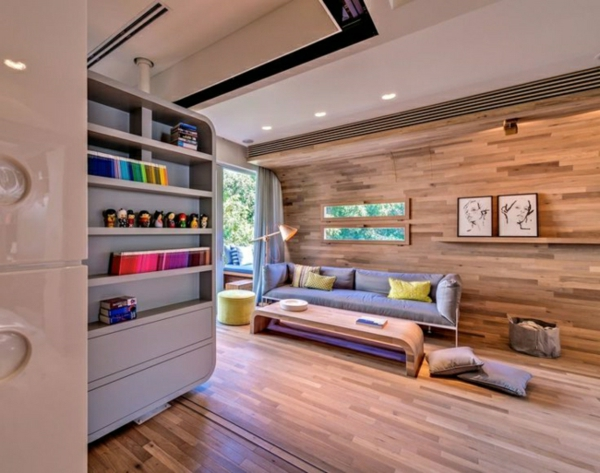Moderne Holzdecken Wohnzimmer wohnzimmer einrichten ideen chevron graues sofa holzdecke Holzwand Verkleidung Ideen Moderne Kleine Wohnung Einrichten Weie