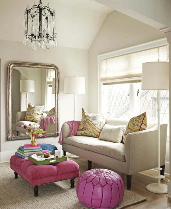 Rosa Ottomane im Wohnzimmer
