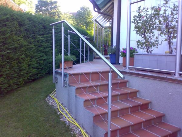 absturzsicherung-treppen-geländer - im Garten