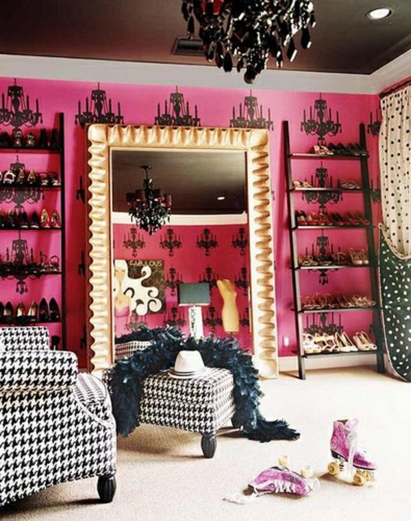 ankleidezimmer-für-frauen-spiegel zyklamenfarbe