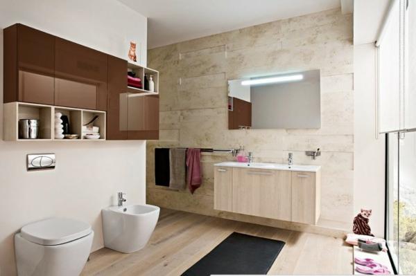 badezimmer-helle-gestaltung mit einer wand aus glas